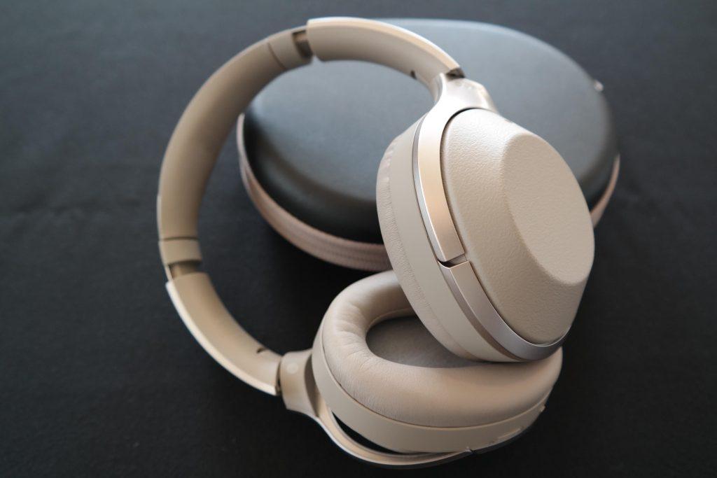 Tai nghe Sony WH-1000XM2 sở hữu độ hoàn thiện sản phẩm rất cao