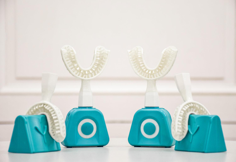 Y-Brush - bàn chải công nghệ thông minh chải sạch răng trong 10 giây?