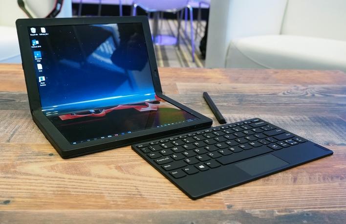 Laptop gập Lenovo ThinkPad X1 Fold có gì mà được ra giá tới 60 triệu?