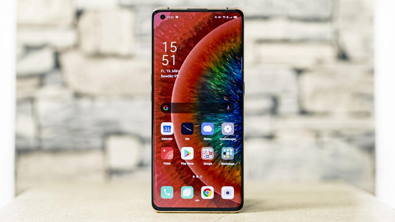 The OPPO Find X2 Pro