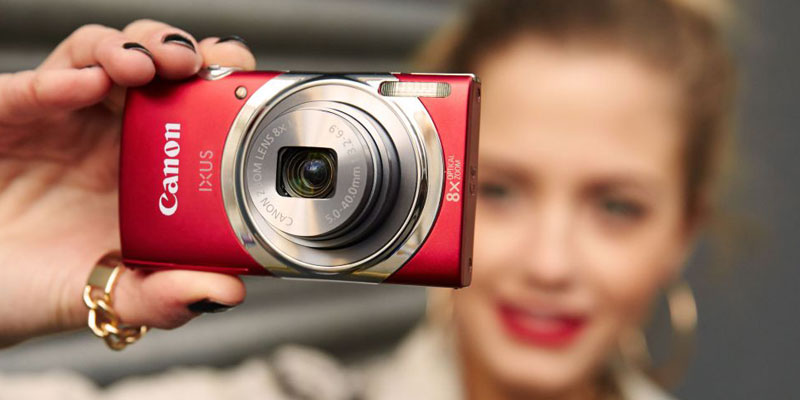 The compact camera suitable for travel, outing
