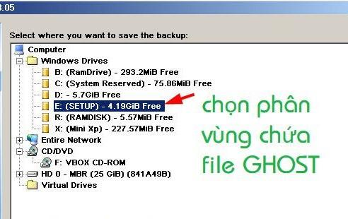 Chọn ra phân vùng để chứa file ghost rồi Next